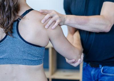 Thérapie manuelle de l'épaule : tendinopathies et épaules gelées